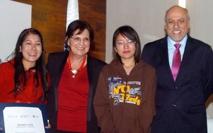 Premian a niños y jóvenes de la Primera Feria Nacional de Ciencias e Ingenierías