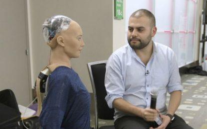 Un robot fue profesor durante medio año y nadie se dio cuenta