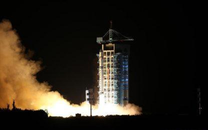 China lanza el primer satélite de telecomunicación cuántica